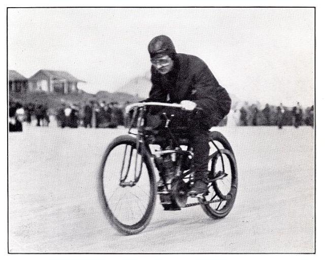 Glenn H. Curtiss making a practice run before the V-twin race.