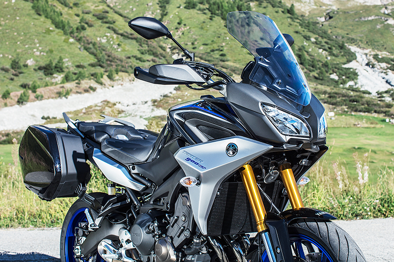 2019 yamaha tracer 900 and tracer 900 gt first look. Black Bedroom Furniture Sets. Home Design Ideas