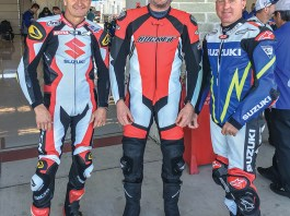 Kevin Schwantz (left) and Kenny Roberts, Jr. (right).