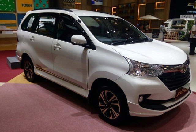 great-new-daihatsu-xenia-giias-110th