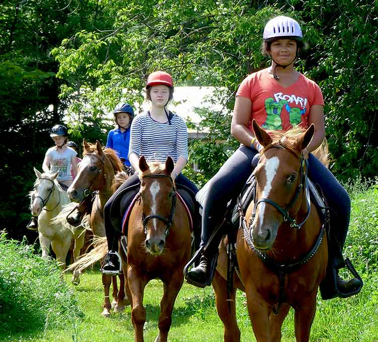 Western & English trail riding near Algonquin Park Ontario. Our horseback riding stable has full Service Equestrian Programs, close to Toronto, Ottawa, Barrie, Orillia, Kingston, and Ottawa Ontario.