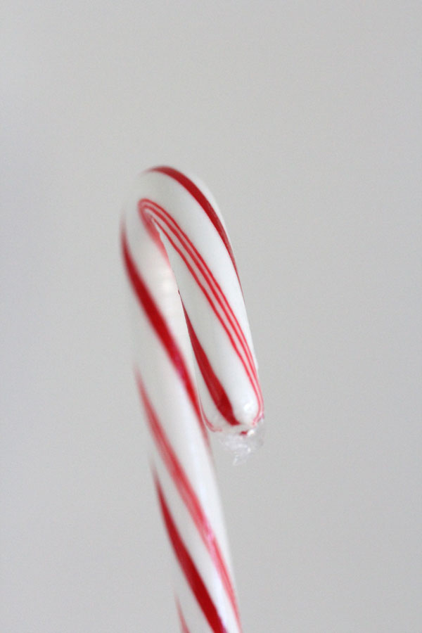 Ridgely Brode shows you how to make fun and festive DIY Candy Cane Reindeer on Ridgely's Radar