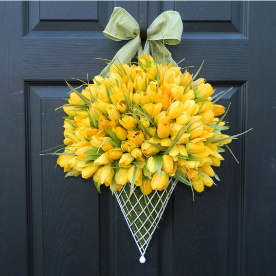 Easter Tulip Door Decoration