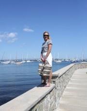 Ridgely Brode spent the morning in Newport, Rhode Island enjoying the water views in her #followme tee shirt on her blog, Ridgely