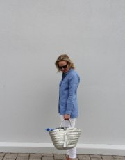 Ridgely Brode wears a super flattering and beautiful blue Essential Linen Shirt with white jeans on her blog Ridgely