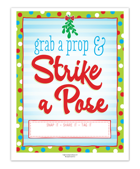 Mistletoe Photo Booth Sign Free Printable | Ridgetop Digital Shop