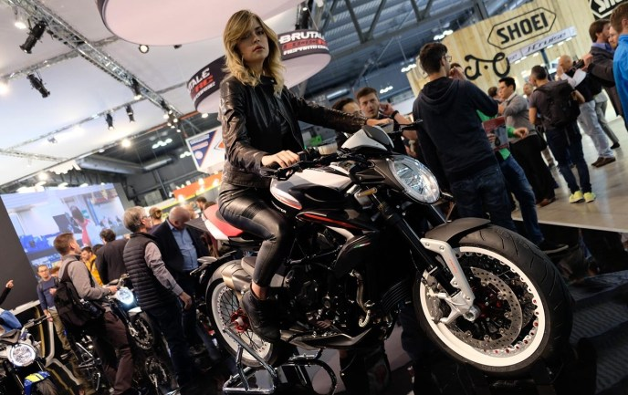 MV Agusta Dragster 800RR on Ridin\'GirlsBlog