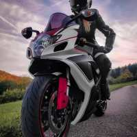 Photoshoot of the Week: January 6th-12th 2020 - Suzuki GSX-R600 & Lucy
