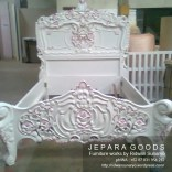 rococo bed,baroque bed,versailles bed,french bed,shabby chic bed,almari gold leaf,almari emas ukir jepara,almari antik jepara,almari baroque louis XVI,almari rococo ukir jepara,model almari french klasik jepara,gilt finishing armoire,versailles furniture indonesia exporter