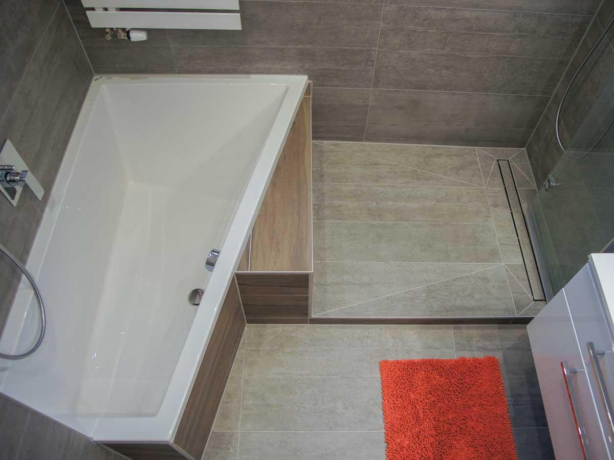 Begehbare Dusche Badewanne 56