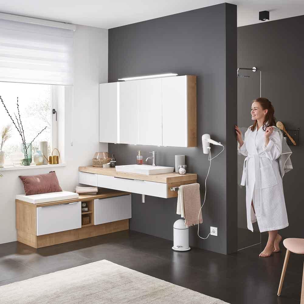 Waschtisch Spiegelschrank Badezimmer 17