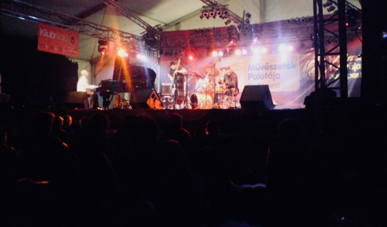 Simple acoustics Trio op het Sziget festival