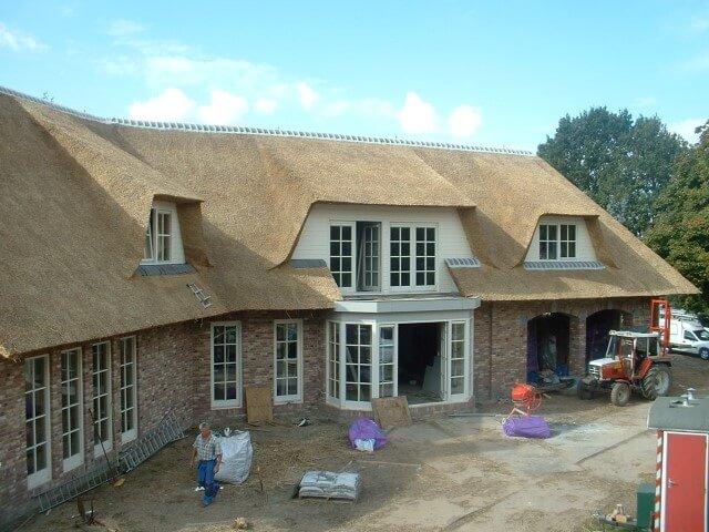 Nieuw rieten dak in brabant kosten en prijzen rietdekkersbedrijf