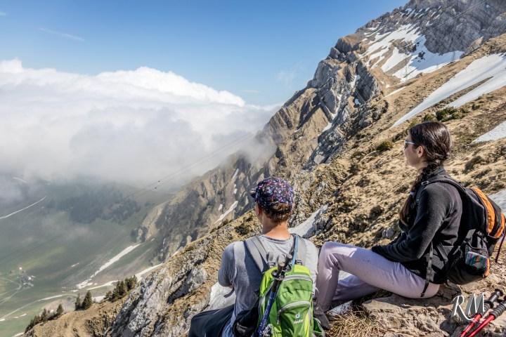 Hiking adventures in the Swiss Alps – Van life explorers