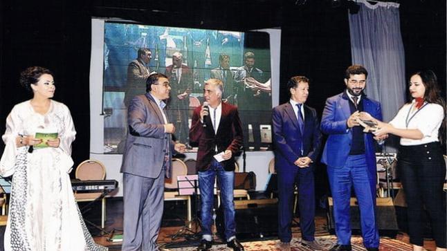 """إبن الريف """"أحمد بلغنو"""" يتوج بجائزة أحسن منتوج فلاحي في تظاهرة """"تروفيل"""" بأكادير"""