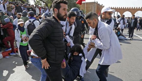 مطالب بفتح تحقيق في قضية قمع تظاهرة المتعاقدين ومحاسبة العناصر الأمنية المسؤولة