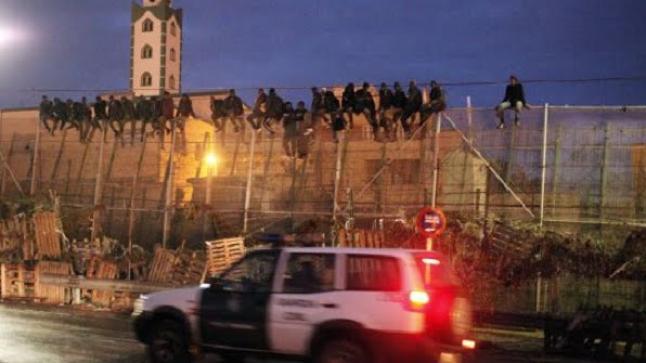 انهيار منظومة الحراسة المغربية-الإسبانية في مليلية أمام عودة تسلل الأفارقة بكثافة
