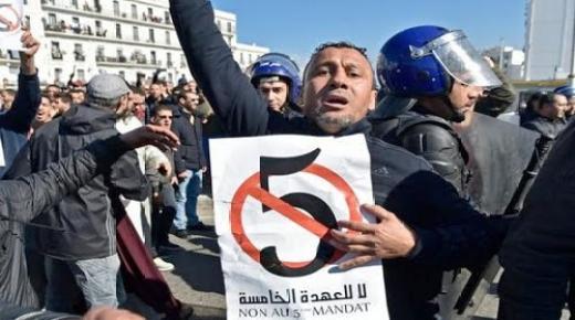 """الجزائر تتجه نحو المجهول.. مسؤول مقرب من الرئيس يخير الجزائريين:""""إما بوتفليقة أو العودة إلى سنوات الفتنة"""""""