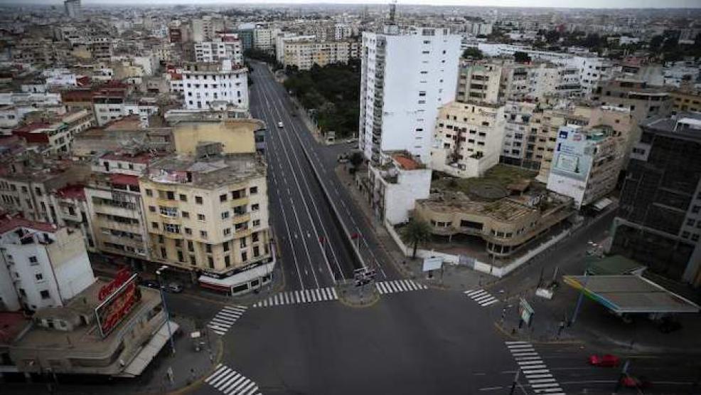 الحكومة تقرر إغلاق الدار البيضاء بعد الارتفاع القياسي في عدد الإصابات