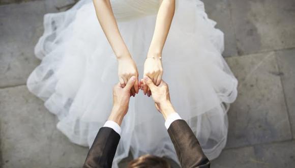 زواج الأجانب بالإسبان: هل يضمن الحصول على تصريح الإقامة القانونية والجنسية؟