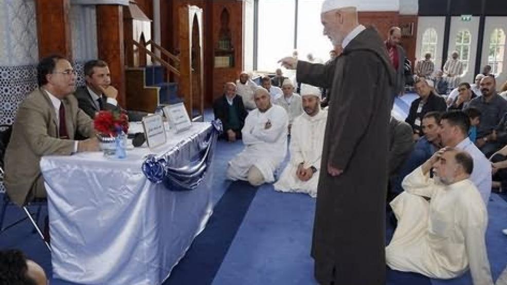 السفير المغربي بهولندا يَتواصل مع الجالية بروزندال (صور)