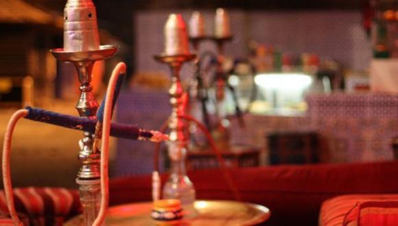 السعودية ترخص بعودة الشيشة للمقاهي ولكن بشروط