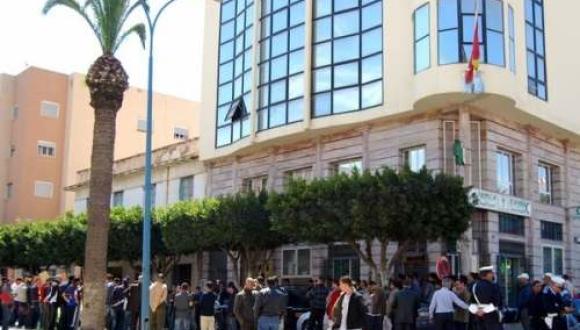 """القنصلية الإسبانية بالناظور تقطع الطريق على سماسرة """"الفيزا"""""""