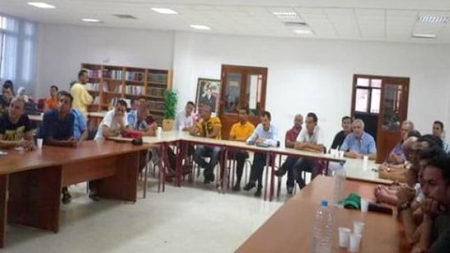 """لقاء يجمع فعاليات ريفية بالناظور حول """"المطالب الجهوية بالريف"""""""