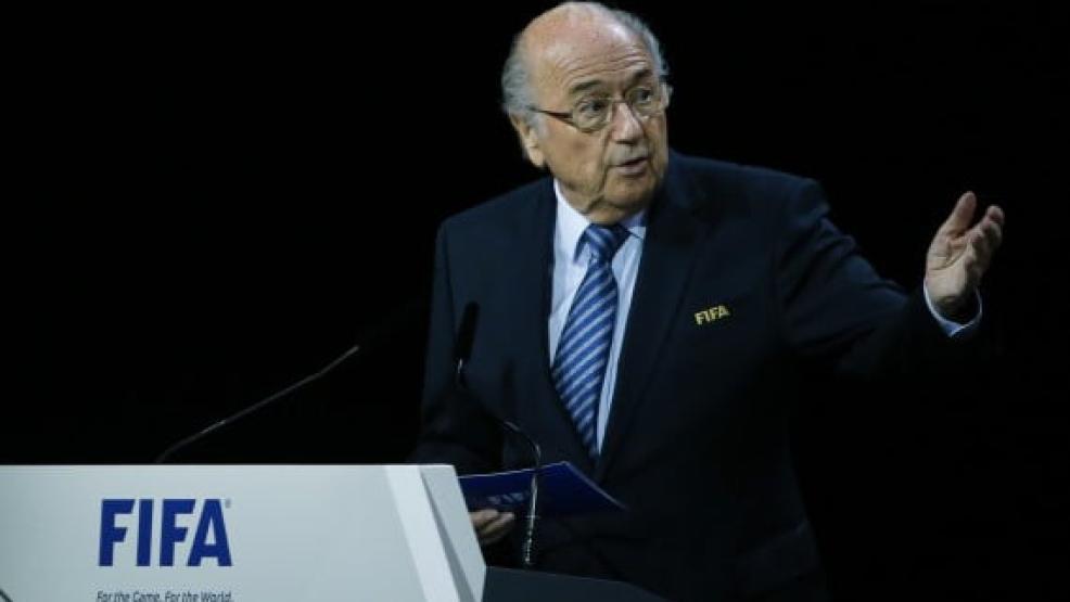 """""""بلاتر"""" يعيد الأمل للمغاربة بخصوص تنظيم مونديال 2026 وهذا ما قاله"""