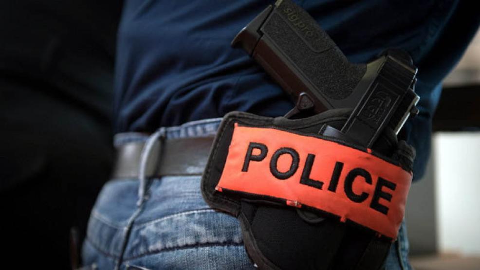 اعتداء على مستخدم بمحل تجاري يتسبب في توقيف شرطي عن العمل وجره الى القضاء