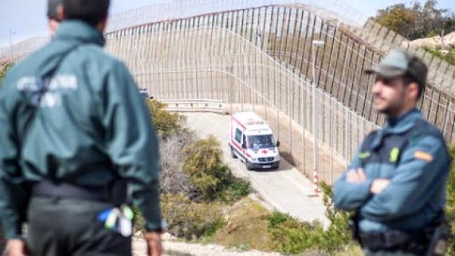 """تسلل أربعة """"حراكة"""" مغاربة إلى مليلية قفزا على السياج"""