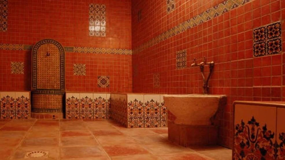 """السلطات تقرر منع وقفة احتجاجية لأرباب الحمامات بسبب """"كورونا"""""""