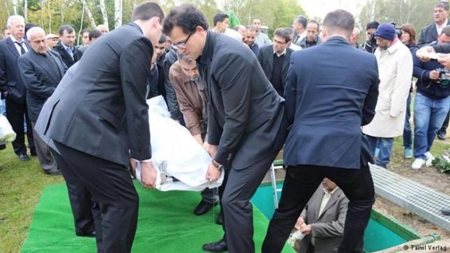 دفن المسلمين في ألمانيا.. بين شعائر الدفن الإسلامية والقانون الألماني