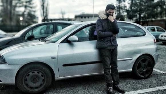 بعد إفلاس الشركة التي كان يشتغل فيها.. مهاجر مغربي يعيش في سيارته بأوروبا