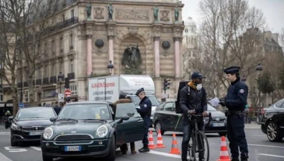 فرنسا تعيد مجددا فرض حالة الطوارئ إبتداءا من هذا التاريخ