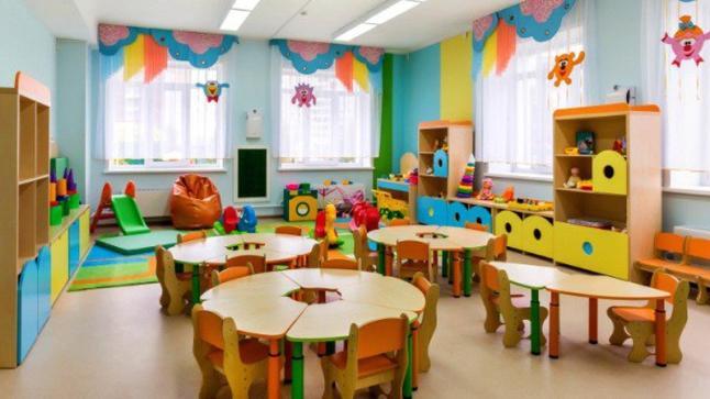 العدالة والتنمية: تتقدم بمقترح قانون يمنع المدارس الخاصة من بيع اللوازم المدرسية