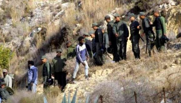 إدانة 11 مهاجراً إفريقيا بالسجن لـ 10 سنوات بسبب اقتحامهم للسياج الحدودي الفاصل بين مليلية والناظور