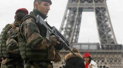فرنسا تعلن إحباط مخططي اعتداءات استهدفت منشأة رياضية والجيش