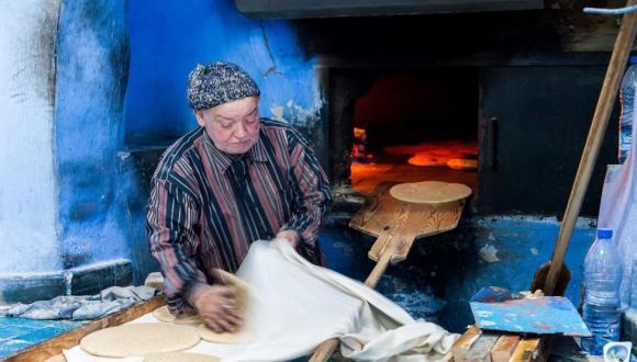 المغاربة يرمون 30 مليون خبزة يومياً في القمامات بكلفة 90 مليار شهرياً