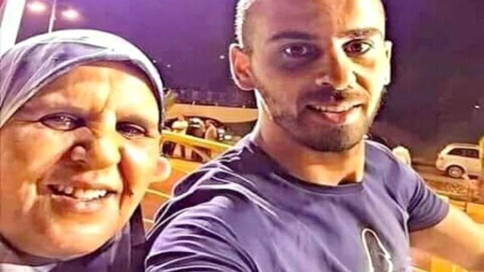 نشطاء يطلقون نداء للسماح لمعتقل الحراك محمد حاكي برؤية والدته المريضة
