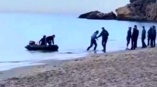 وصول 4 شبان من الحسيمة الى اسبانيا على متن قارب صغير