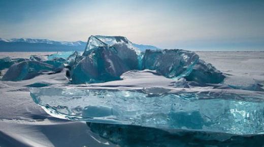 بحيرة بايكال في روسيا تتربع على قائمة عجائب الدنيا الطبيعة + صور