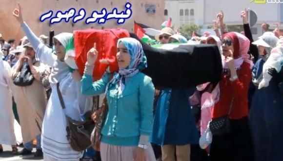 اﻵف يخرجون بالرباط في مسيرة تنديدا بالعدوان اﻻسرائيلي على غزة -فيديو وصور-