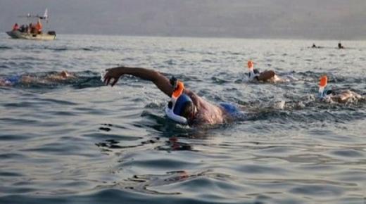 توقيف مغاربة تسللوا إلى الناظور سباحة من مليلية ووضعهم تحت تدابير الحجر الصحي