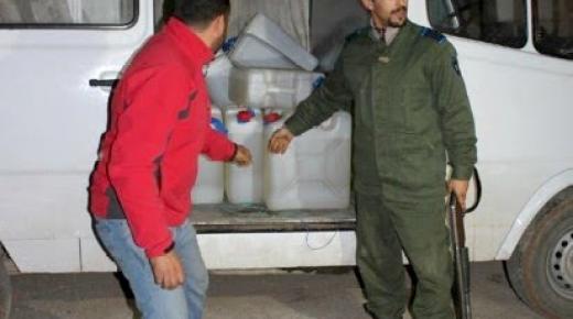 جمارك زايو وميضار تُوقفُ سيارة نفعية محملة بـ 900 لتر من البنزين الممتاز كانت في طريق تموين قارب مخدرات