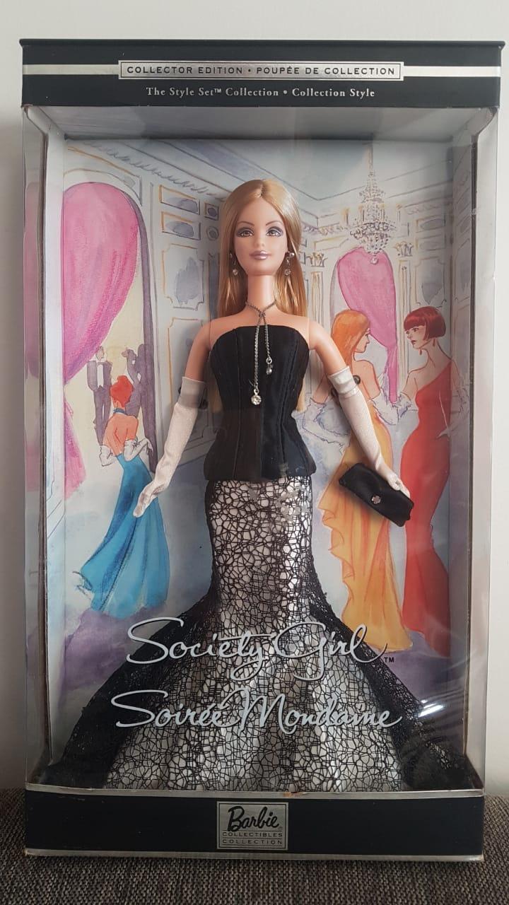 Foto  - Barbie em prol do S de Solidário