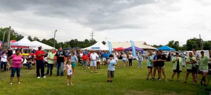 People enjoying themselves - Riff Ridgel Annual Crawfish cookoff