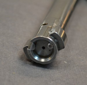 Stryker Ridge short action bolt face with mini-16 style extractor.