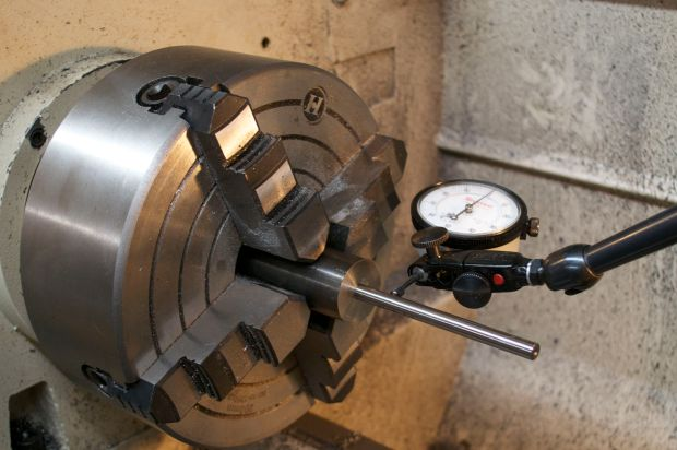 The range rod is inserted into the bore.  Now the bore can be dialed-in.
