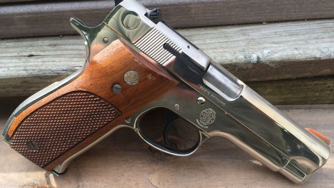 smith and wesson model 39 the gun that wanted to replace the 1911